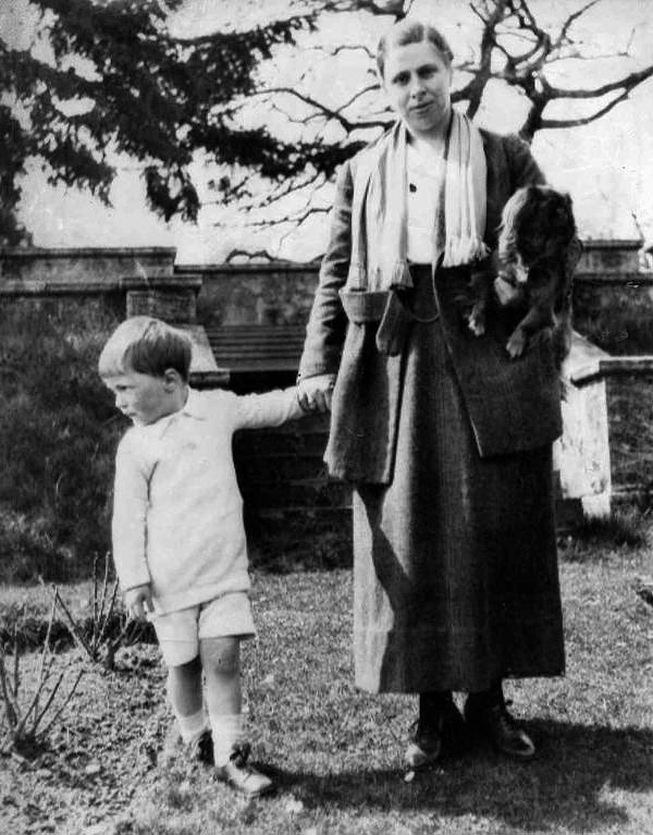Roald with his mother Sofie (and pet dog) in the garden of Ty Mynydd, circa 1919.